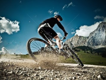 จักรยานลงเขา กิจกรรมเกมส์กีฬาชนิดนึง ที่เหมาะกับคนที่ชื่นชอบความท้าทาย